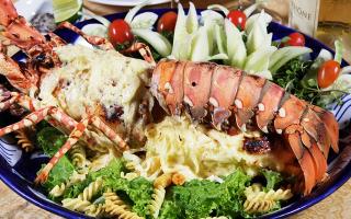 Hải Sản Ngọc Sương - Hoàng Việt