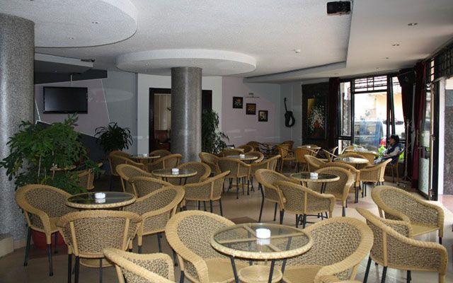 Cafe Phòng Trà Góc Phố - Nét lãng mạn ngàn hoa ở Lâm Đồng