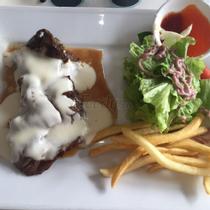 Beefsteak TiTi - Hồ Hảo Hớn
