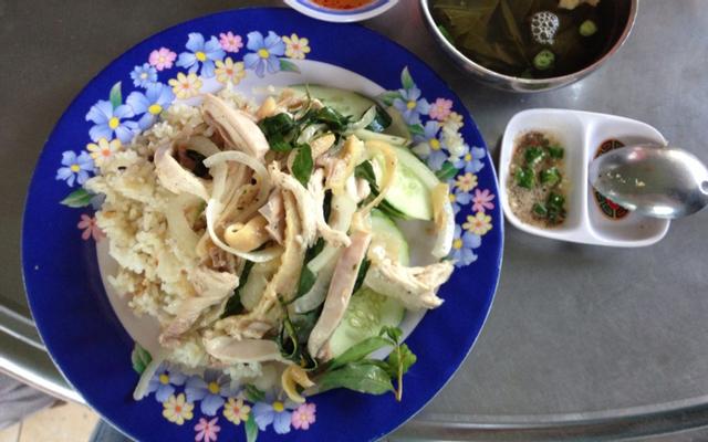 Cơm Gà 52 - Quán Trinh ở Đắk Lắk
