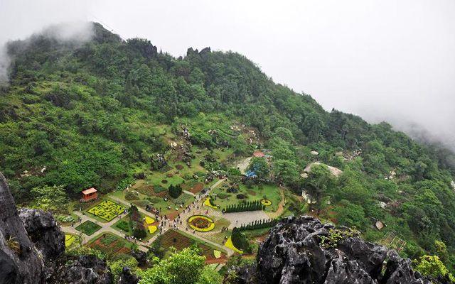 Hàm Rồng Moutain ở Lào Cai