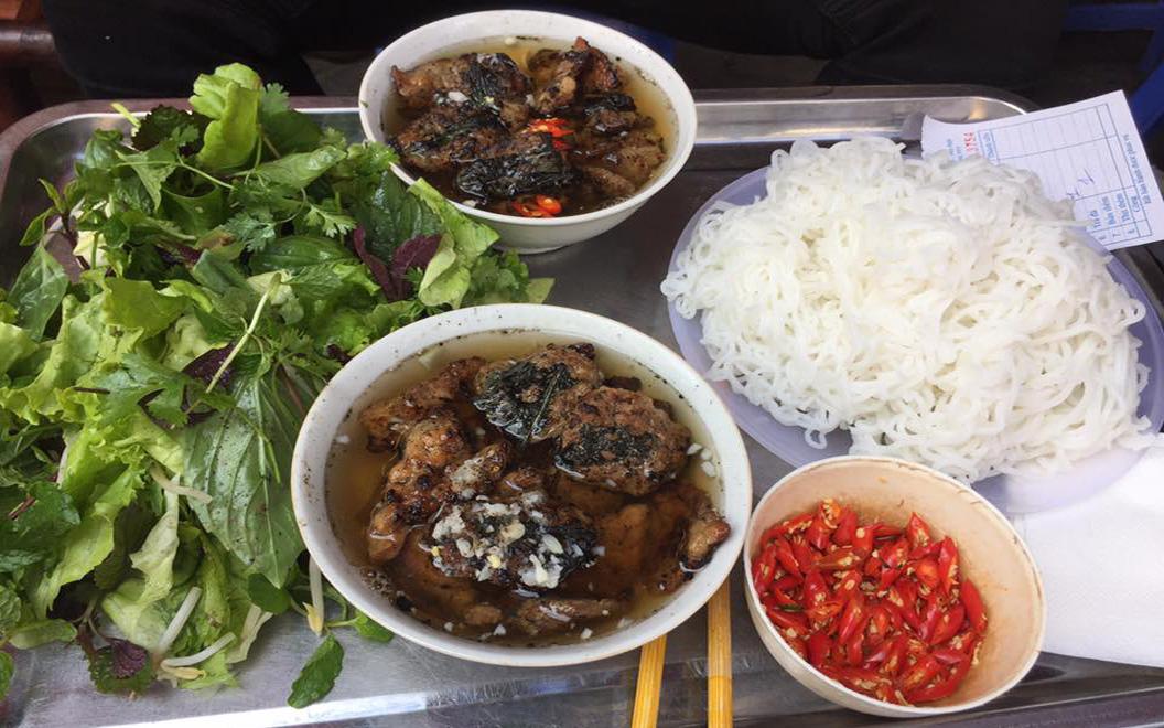 Bún Chả Tuyết 34 - Món ăn giản dị, quen thuộc của Hà Nội ở Quận Ba Đình, Hà Nội | Foody.vn