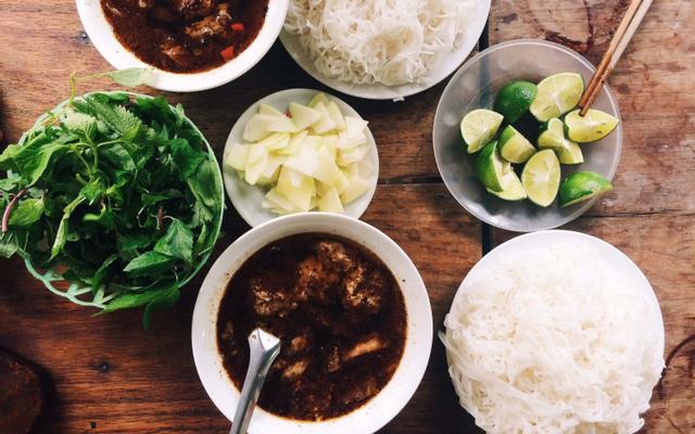 Thuỳ Linh - Cháo & Bún Chả ở Hà Giang