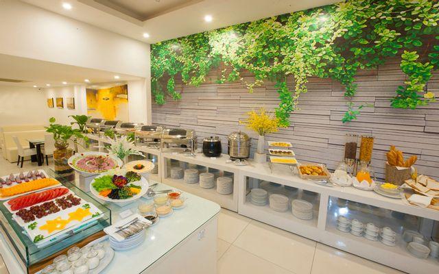 Buffet Trưa - Sunrise Central Hotel ở TP. HCM
