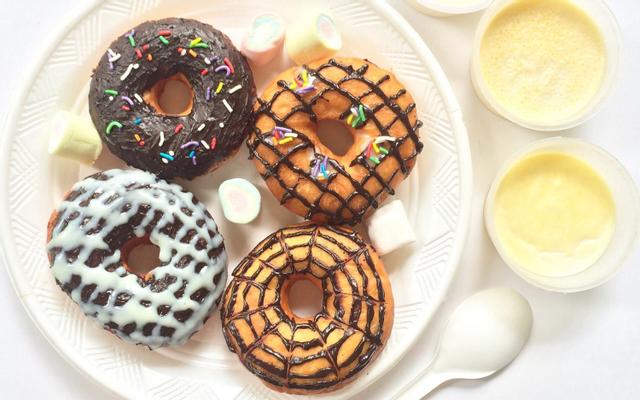 Dolfin House - Donut & Panna Cotta - 260 Bạch Đằng ở Huế