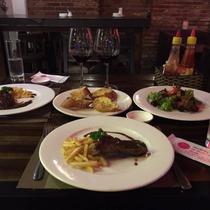 M.Y Garden - Cafe & Restaurant Wine Cellar