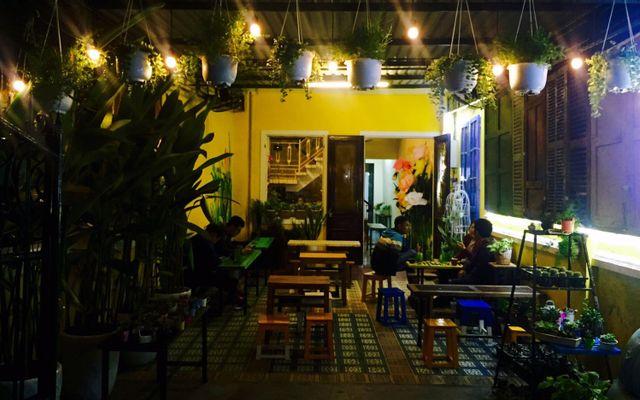 Hẻm Living Cafe - Trần Thúc Nhẫn ở Huế