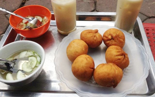 Tuấn Hằng - Bánh Bao Chiên & Nem Chua Rán ở Hà Nội