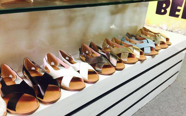 Bee Shoes - Giày Việt Nam Xuất Khẩu - Phan Châu Trinh ở Đà Nẵng
