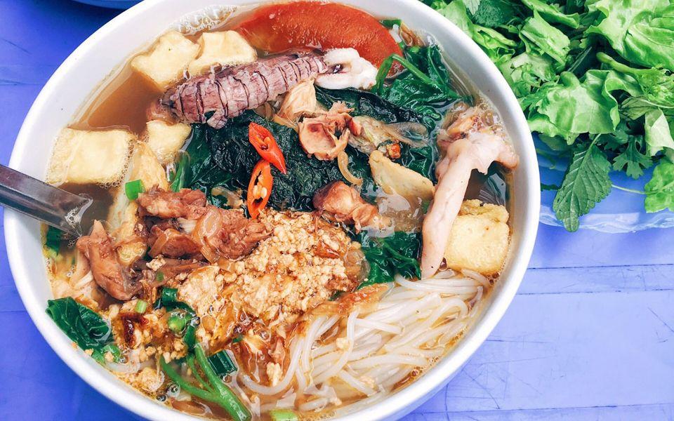 Image result for ăn sáng bún hải sản