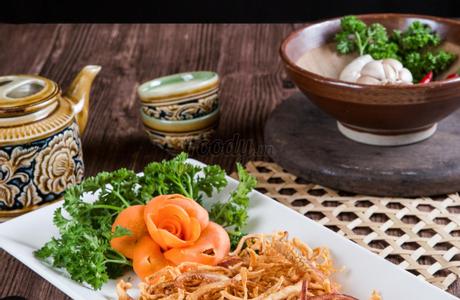 Nhà Hàng Việt Phố - Nguyễn Trãi