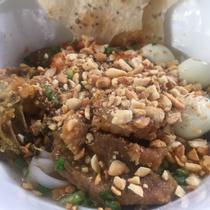 Quán Gì Đó - Mì Quảng & Bún Cá Cam
