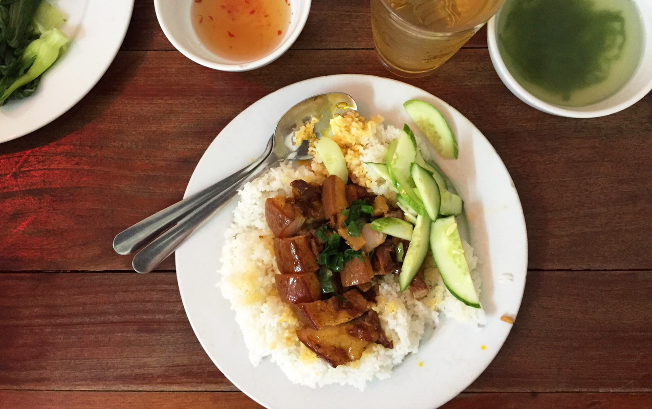 Nam Phương - Cơm Tấm Sài Gòn - Tạ Quang Bửu