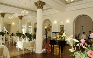 Le Bourgeois Restaurant - Continental Saigon Hotel