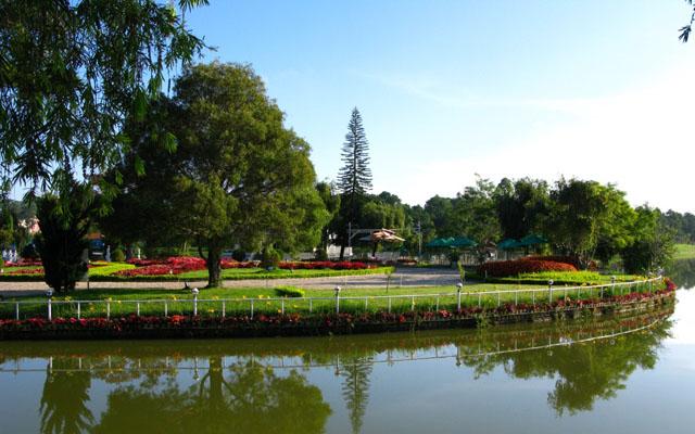 Hồ Xuân Hương - Hồ Thơ Mộng ở Lâm Đồng
