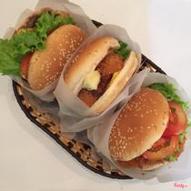 Gyumaru Restaurant 牛丸 - Hamburger & Steak