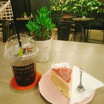 Brownie Homie Bakery & Coffee - Lý Tự Trọng