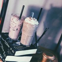 Shi Cafe & Butik