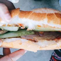 Bánh Mì Xíu Mại & Chả Lụa