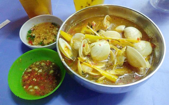 Khu Ẩm Thực Chợ Phú Xuân ở TP. HCM