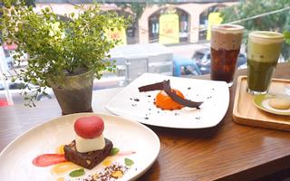 Dots Cafe - Tea Coffee Desserts - Nguyễn Đình Chiểu