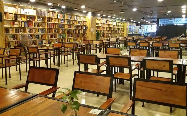 Không Gian Văn Hóa Đông Tây - Biblio Coffee & Books - Xa La ở Hà Nội