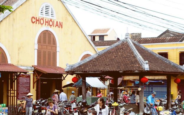 Ngã 3 Trần Quý Cáp - Nguyễn Thái Học Tp. Hội An Quảng Nam