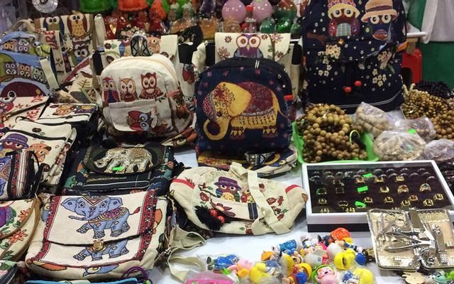 Khu Mua Sắm Chợ Đêm ở Bình Định