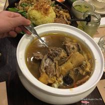 Kampong Chicken House - Hoàng Đạo Thúy