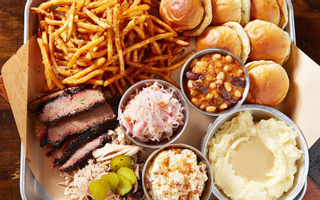 La Smoke House - Texas BBQ & Beer