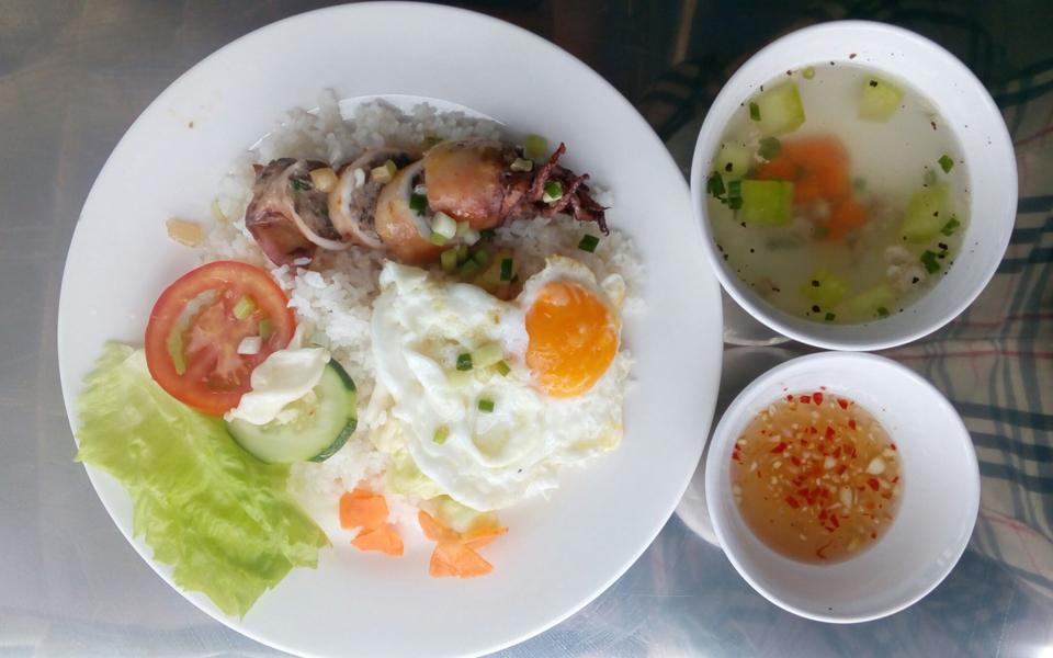 Quán Cơm Việt Hương