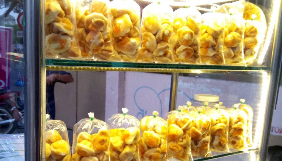 Bánh Bông Lan Trứng Muối - Đặc Sản Vũng Tàu