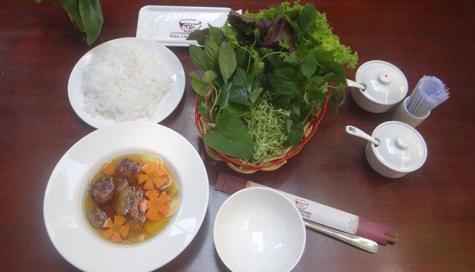 Bún Chả Hà Nội Xưa - Hoa Lan