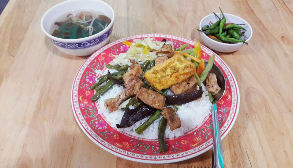 Chánh Ý - Quán Cơm Chay ở Quận 5, TP. HCM   Foody.vn