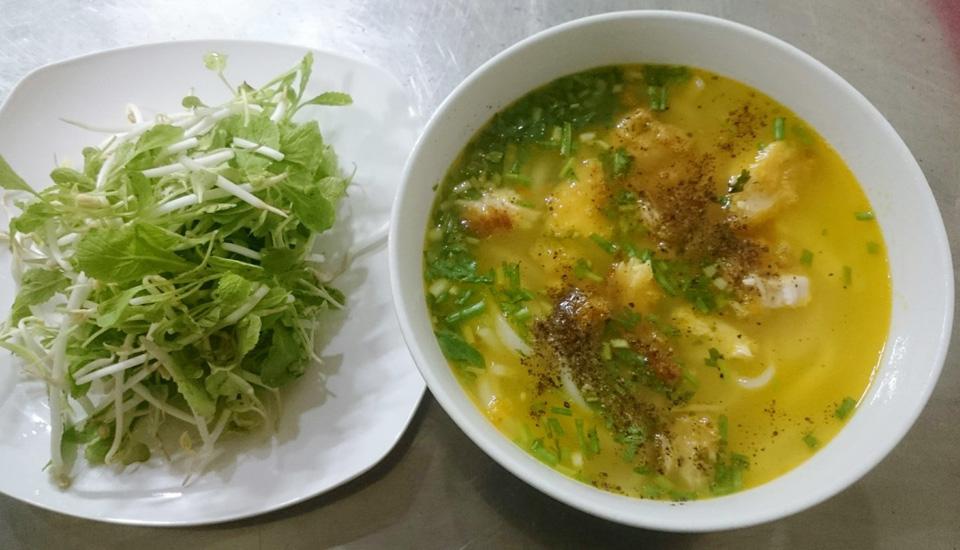 Bánh Canh Cá Lóc Xứ Huế - Quang Trung