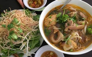 Mẹ Gánh - Bún Bò & Cơm