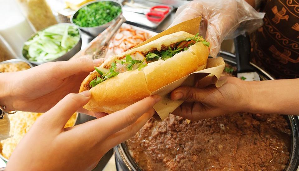 Bánh Mì & Giải Khát