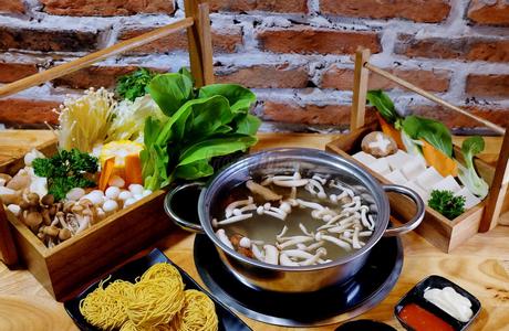Let's Lẩu - Vincom Center