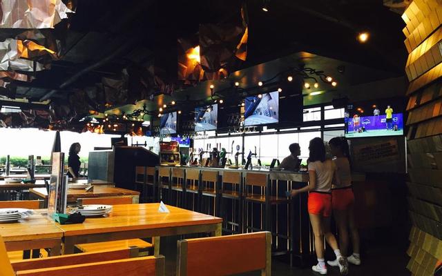 Vuvuzela Beer Club - Zen Plaza ở TP. HCM