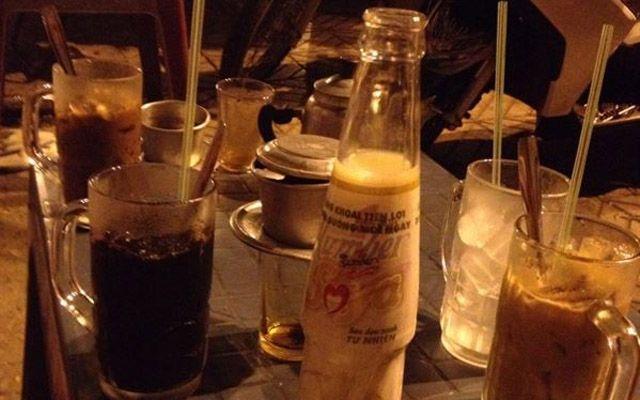Lề Đường Cafe ở Bình Dương