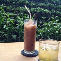 Huy Hoàng Bookstore Cafe - Lê Văn Sỹ