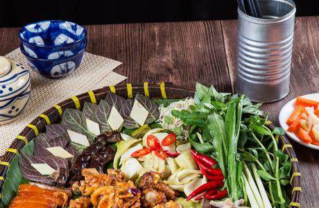 Nhà Hàng Việt Phố - 45 Lê Quý Đôn