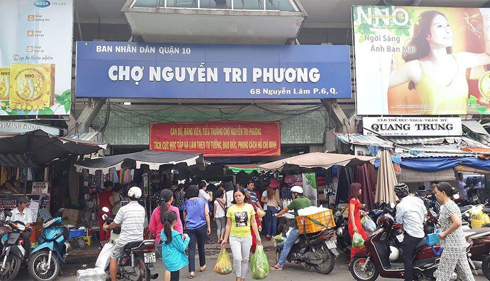 Chợ Nguyễn Tri Phương ở Quận 10, TP. HCM
