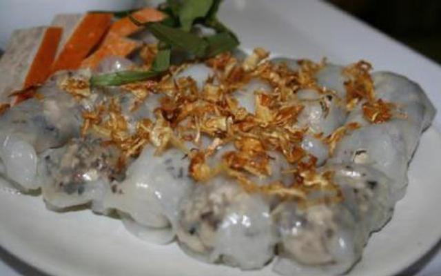 Huyền Lý - Gà Tần, Bánh Cuốn Nóng ở Hà Nội