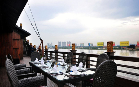 Elisa - Seafood & Dinning Restaurant - Nguyễn Tất Thành