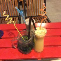 Cây Cột Điện Coffee Book