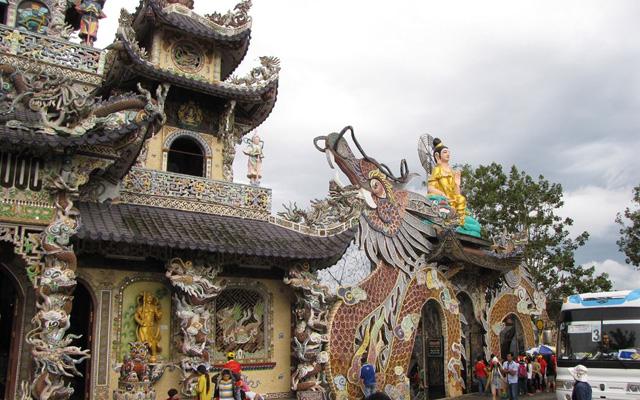 Chùa Linh Phước ở Lâm Đồng