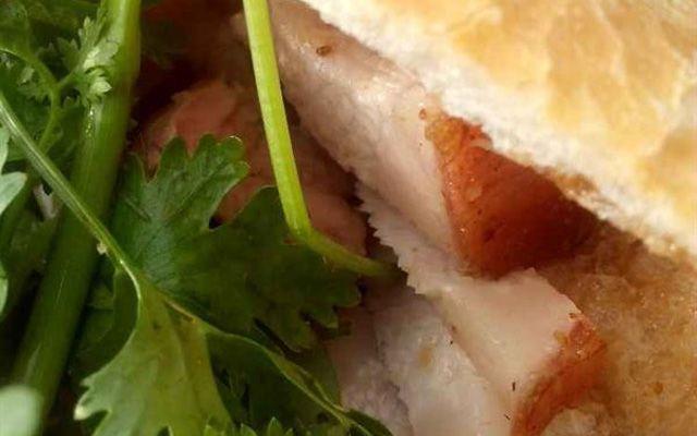 Bánh Mì 9 Dẫn - Huỳnh Châu Sổ ở Long An