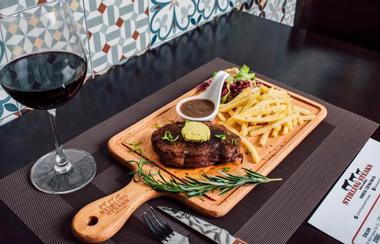 Stirling Steaks Vietnam - Nguyễn Gia Trí