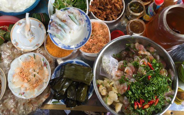 Khu Ẩm Thực Chợ Tây Lộc ở Huế